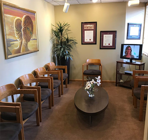 Waiting room at Center for Advanced Periodontics and Implant Dentistry